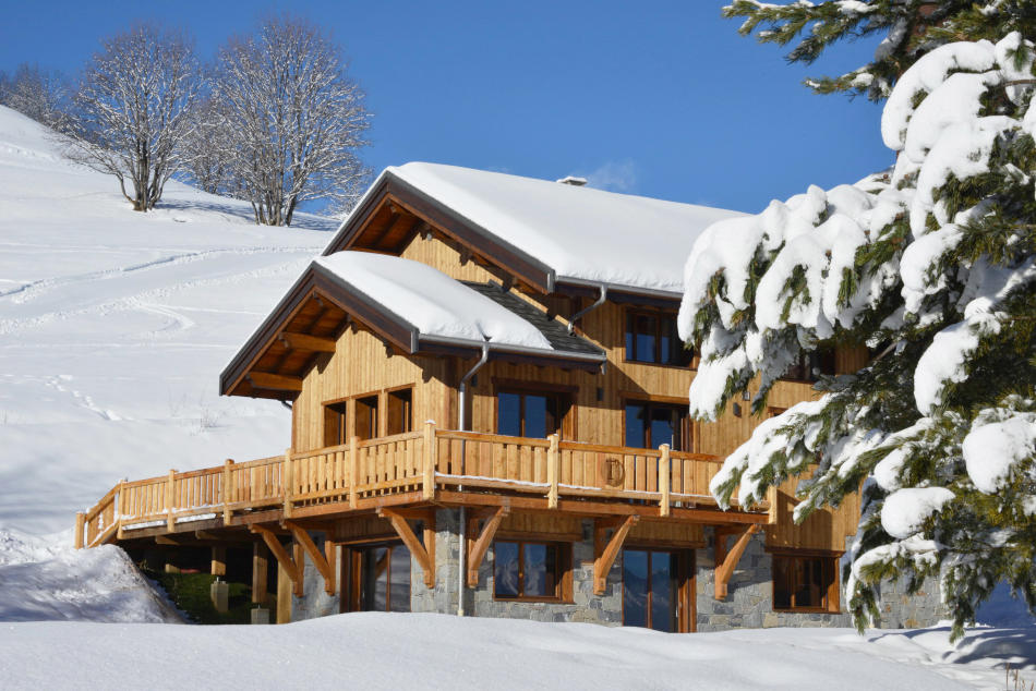 Sun, ski and snow in Le Corbier - Discover Southern Europe